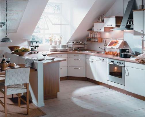 Стиль и цвет для кухне на мансардном этаже