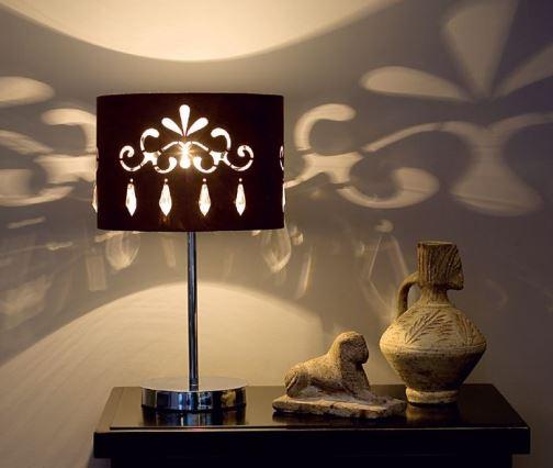 Украшаем гостиную при помощи освещения