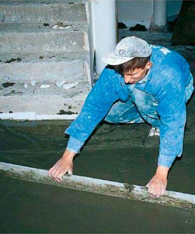 Цементную стяжку можно просто уложить